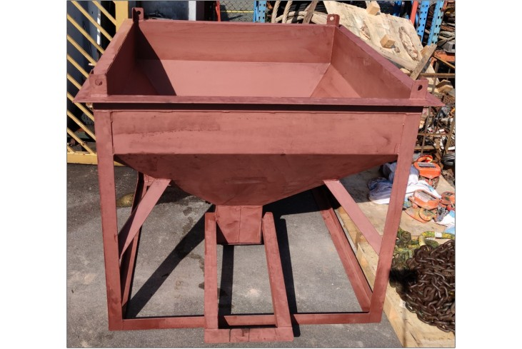 Centre Discharge Concrete Bucket - Bored Piling